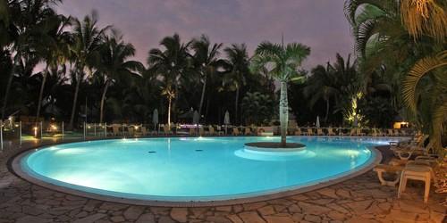 H tel le floralys tang sal les bains for Hotel avec piscine foret noire